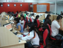 Call Center Jobs Philippines - Working at a Philippine call center