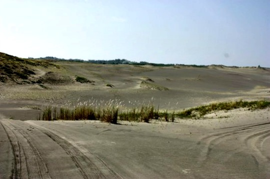 Ilocos Norte's Sand Bed Now a Popular Playground